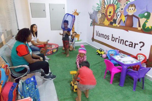 Clinica Popular Santanna - Pediatra, consulta para crianças, espaço kids, brincar, vacina - Shopping Plaza Itaboraí DETRAN RJ 576 X 432